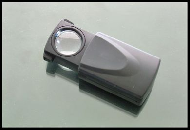 20x Power, 21mm LED Illuminated Pull Out Jewelers Loupe
